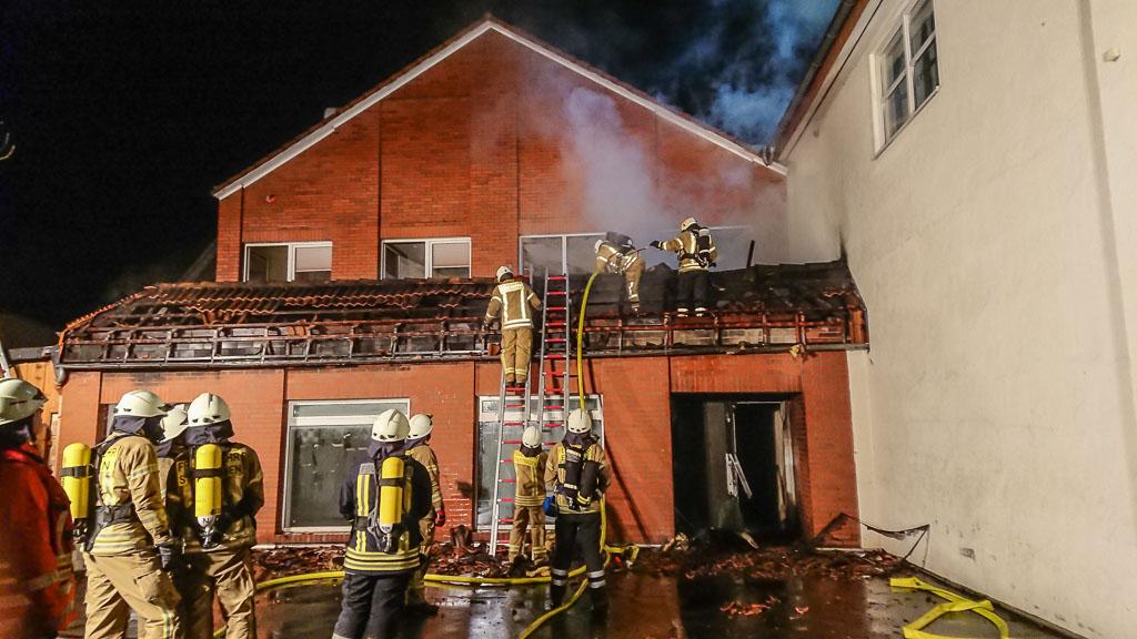 Stadthagen: Großeinsatz der Feuerwehren bei Brand in Innenstadt