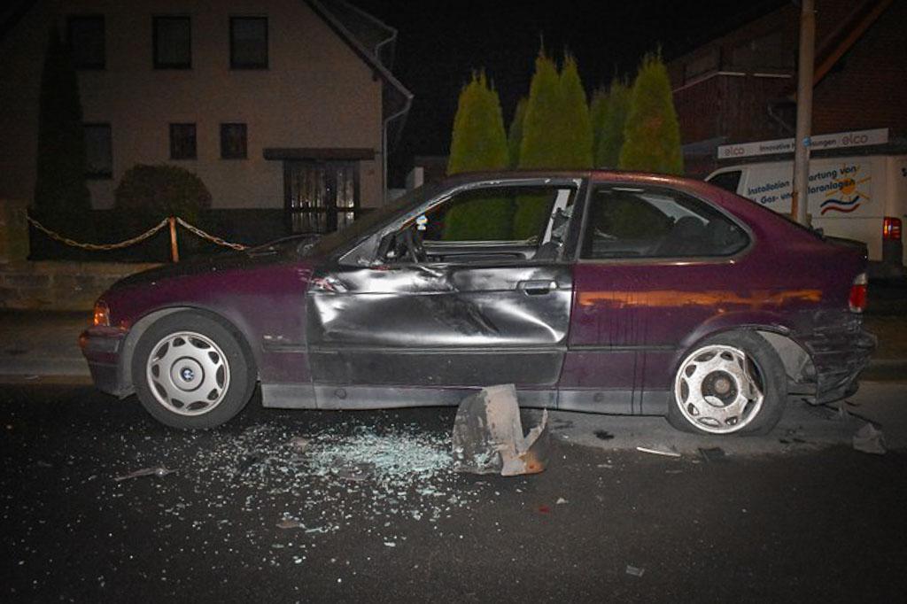 Stadthagen: Auf geparkten BMW aufgefahren