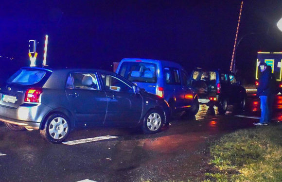 Wendemanöver endet mit Verkehrsunfall auf B65