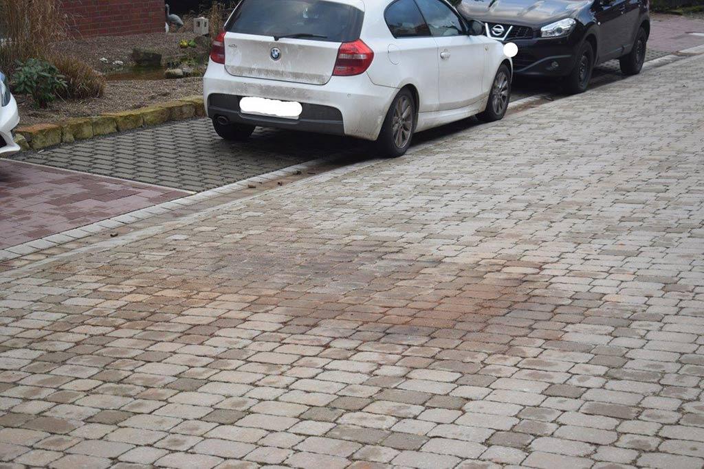 Obernkirchen: Benzin auf Fahrbahn angezündet/ Silvesterrakete beschädigt Haustür