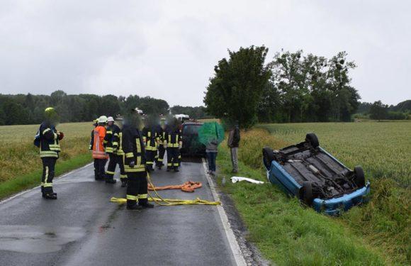 Apelern: Autofahrer (18) bei Überschlag verletzt