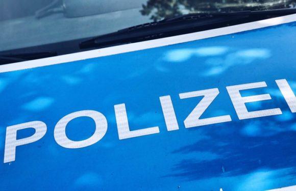 Unfallflucht in Bückeburg: Polizei sucht grauen Skoda