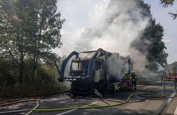 Mehrstündiger Feuerwehreinsatz wegen brennendem Müllwagen