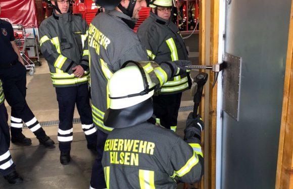 Türöffnungsfortbildung für Einsatzkräfte der Feuerwehr