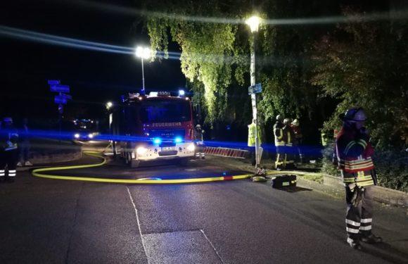 Bad Eilsen: Feuerwehr löscht brennenden Sperrmüllhaufen