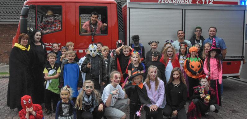 Gruselige Stunden bei der Halloween-Party im Feuerwehrhaus