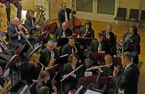 Neujahrskonzert: Blasorchester Krainhagen mit Auftritt im Palais im Park