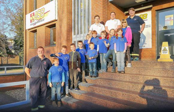 Feuerwehrnachwuchs zu Besuch bei Rettungswache