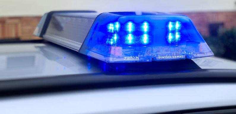 Grundstückspfeiler beschädigt: Polizei sucht Zeugen