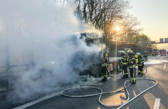 LKW brennt auf A2