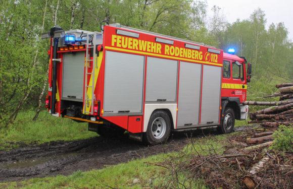 Flächenbrand, Waldbrand, verletzte Menschen: Kreisfeuerwehrbereitschaft Nord übt am Lüdersfelder Schacht