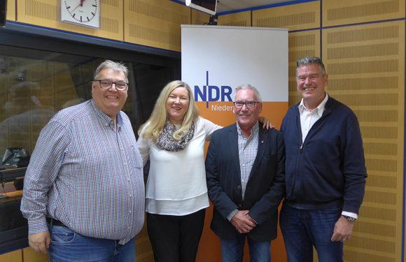 """""""Mehrgenerationenhaus""""-Team aus Bückeburg gestaltet NDR 1 Plattenkiste"""