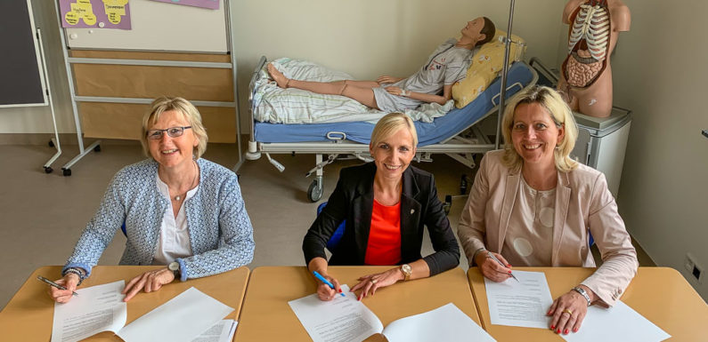 Berufsbildende Schulen Rinteln und Klinikum Schaumburg kooperieren bei Ausbildung der Pflegeberufe
