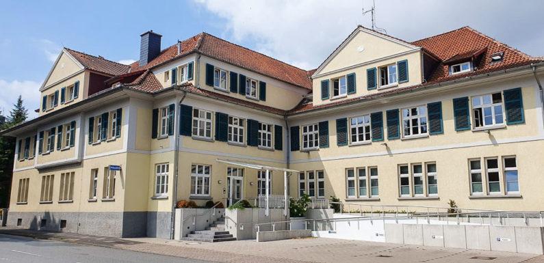 Bückeburg: Sachbeschädigung an Mercedes