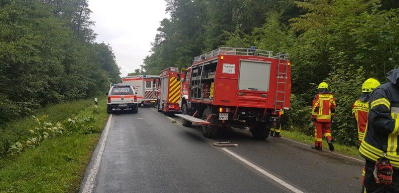 Feuerwehreinsatz bei Verkehrsunfall im Schaumburger Wald