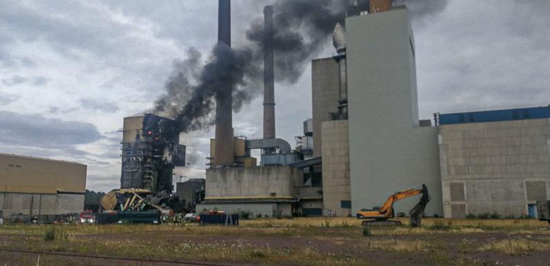Feuer im Kraftwerk Veltheim: Gebäudeteile eingestürzt