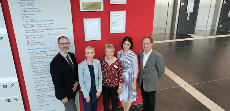 Agaplesion Ev. Klinikum Schaumburg feiert Zertifizierung von Brust- und Endoprothetikzentren