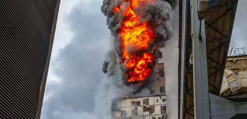 Großbrand im Kraftwerk Veltheim: Feuer bei Abbrucharbeiten bemerkt