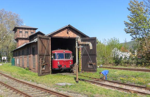 Von Rinteln nach Stadthagen: Schienenbusfahrt mit optionaler Stadtführung in Obernkirchen