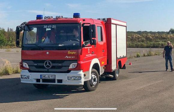 Neue Fahrer für Auhäger Feuerwehrfahrzeug