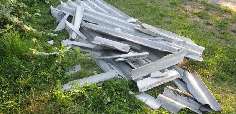 Asbesthaltigen Sondermüll in der Umwelt entsorgt