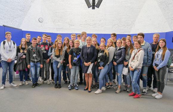 Schüler der IGS Rodenberg zu Gast im Deutschen Bundestag