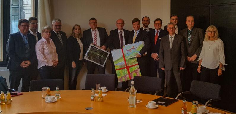 Trassenausbau/-neubau der Bahnstrecke Hannover – Bielefeld: Dialogverfahren noch vor Sommerferien 2020
