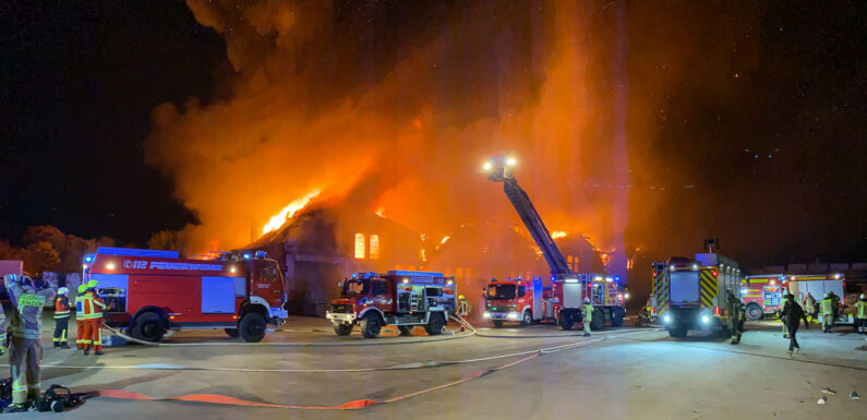 Großbrand bei PreZero/Tönsmeier in Stadthagen: Fenster und Türen geschlossen halten