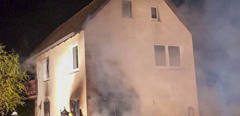 Feuerwehreinsatz in Seggebruch: Zwei Schwerverletzte bei Gebäudebrand