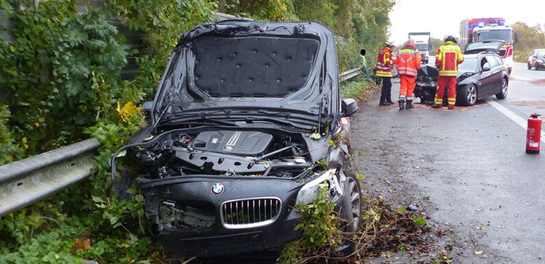 Zwei BMW auf der B65 verunfallt