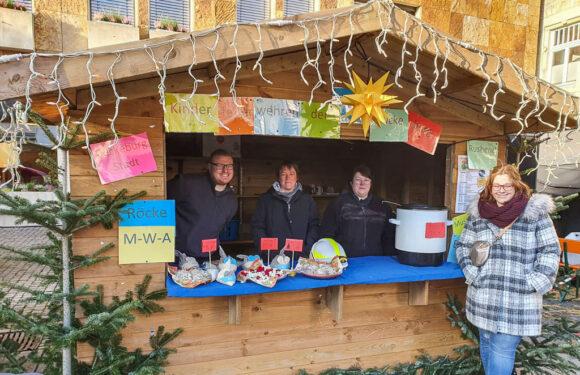 Jahresabschluss der Bückeburger Kinderfeuerwehren: Präsentation auf dem Weihnachtsmarkt