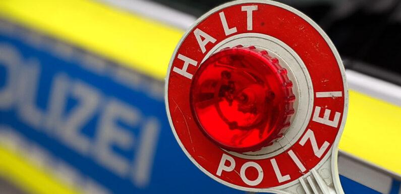 Alkoholisiert und ohne Kennzeichen unterwegs: Stadthäger (39) bei Polizeikontrolle aufgefallen