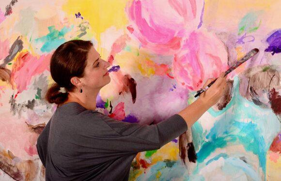 Künstlerin Zoë MacTaggart feiert am 29. Februar die Ateliereröffnung im Wasserschloss Lauenau