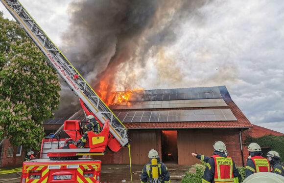 Großeinsatz von Feuerwehren, THW und Rettungsdienst: Wohnhaus in Rehren A.R. in letzter Sekunde gerettet