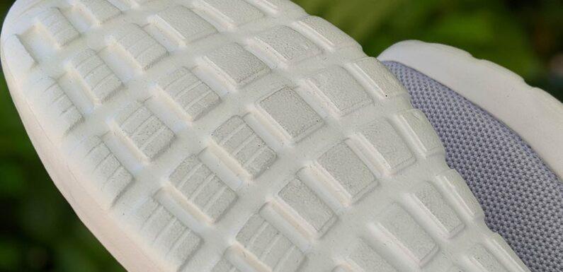 Neue Sneaker gestohlen, alte Schuhe zurückgelassen