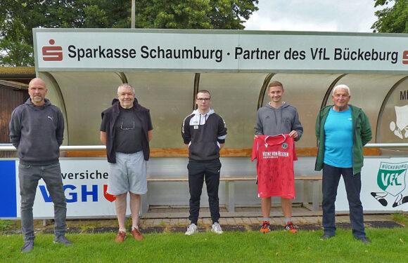 VfL Bückeburg verabschiedet FSJ´ler Nico Landfester
