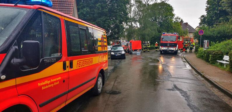 Bückeburg: Feuerwehr löscht Brand in Dachgeschosswohnung
