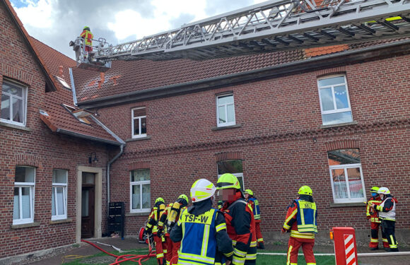 Müsingen: Schmorender Verteilerkasten löst Feuerwehreinsatz aus