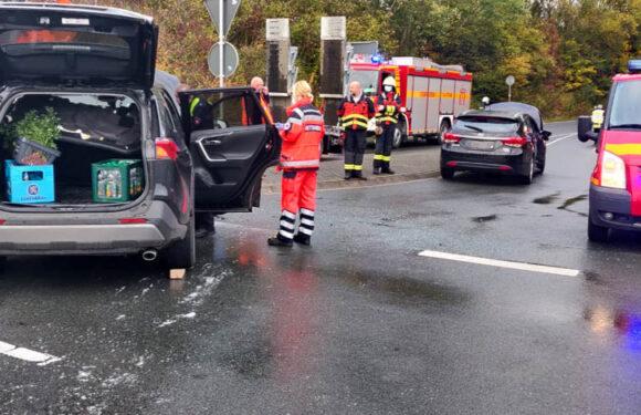 Bückeburg: Sechs Personen bei Verkehrsunfall auf B83 verletzt