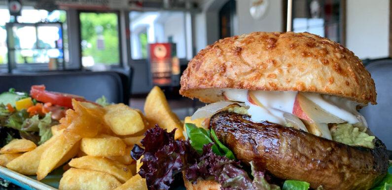 Rippchen und Dry Aged Premium Burger: Minchen startet mit Aktionsangeboten in die Winterzeit