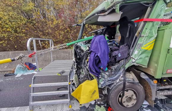 Schwerer Unfall zwischen Lauenau und Rehren: LKW-Fahrer (68) lebensgefährlich verletzt