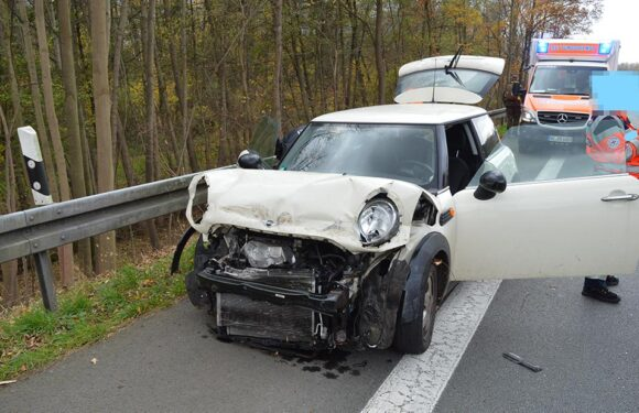 Eine Verletzte, zwei Unfälle, drei kaputte Autos: B 65 nach Unfall bei Röcke stundenlang gesperrt
