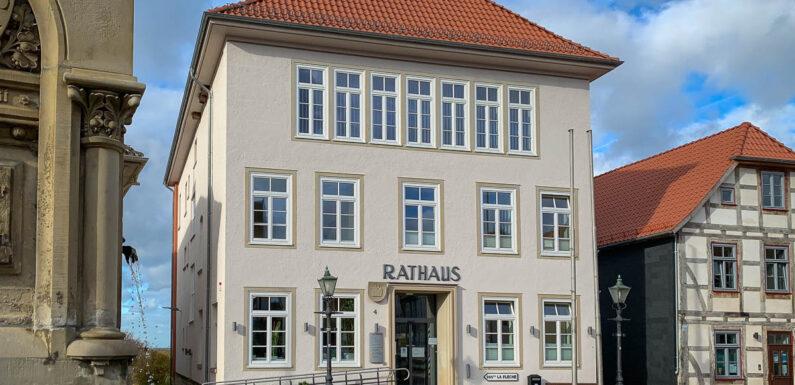 (Bis 23. Juli verlängert) Obernkirchen: Rathaus weiterhin mit eingeschränkten Öffnungszeiten / Online-Terminvereinbarung