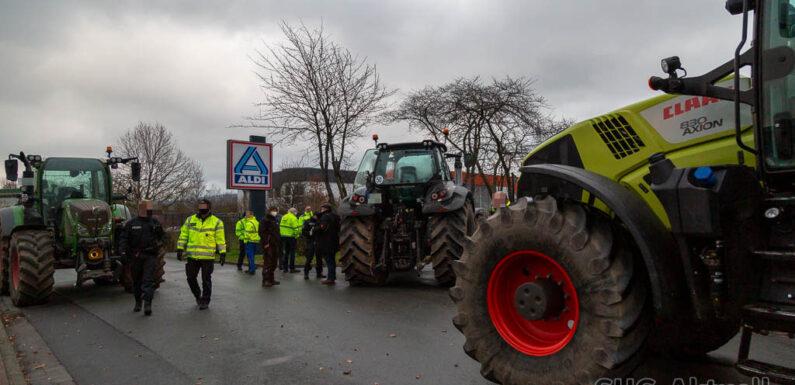 Landwirte protestieren gegen Lebensmittelpreise: ALDI-Blockade nach 24 Stunden aufgehoben