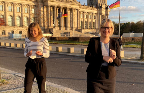 Schülerin Marieka Röchert aus Sachsenhagen begleitet Bundestagsabgeordnete bei ihrer Arbeit in Berlin