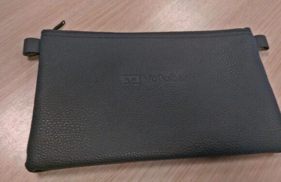 Wem gehört die Tasche mit 1.105,82 Euro?