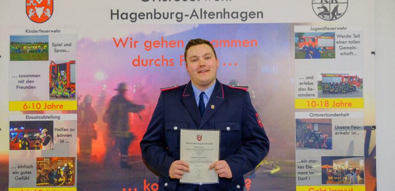Feuerwehr Hagenburg/Altenhagen nimmt Ehrungen und Beförderungen vor