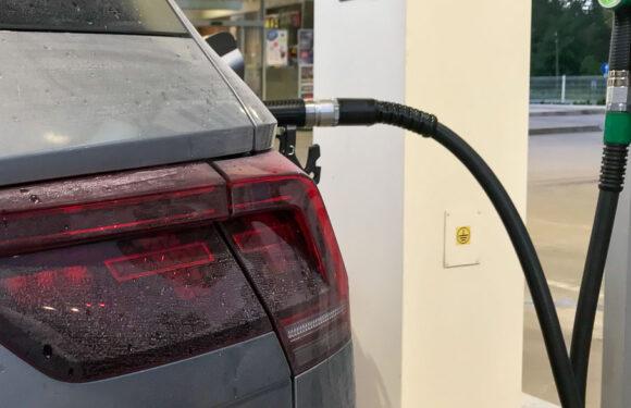 Lauenau: Tankbetrüger klauen Benzin statt Diesel und bleiben liegen