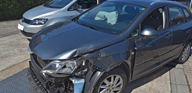 Nienstädt: Auto rollt von Tankstelle auf B65