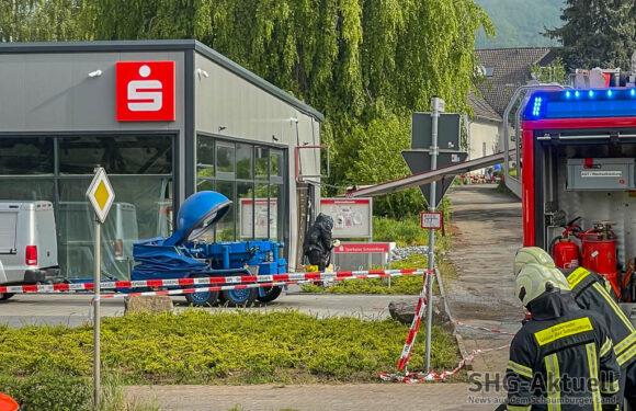 Geldautomat in Deckbergen gesprengt: Täter richten schwere Schäden an